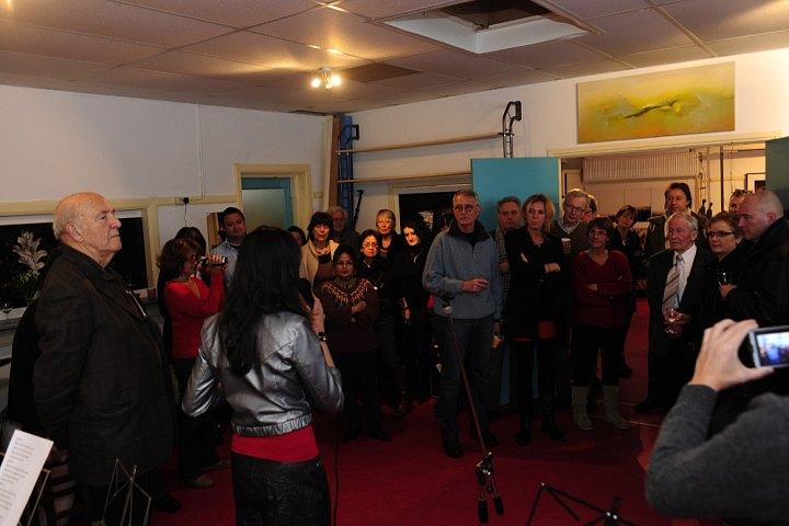 Simone doet presentatie Kunstjamm (kunst event).